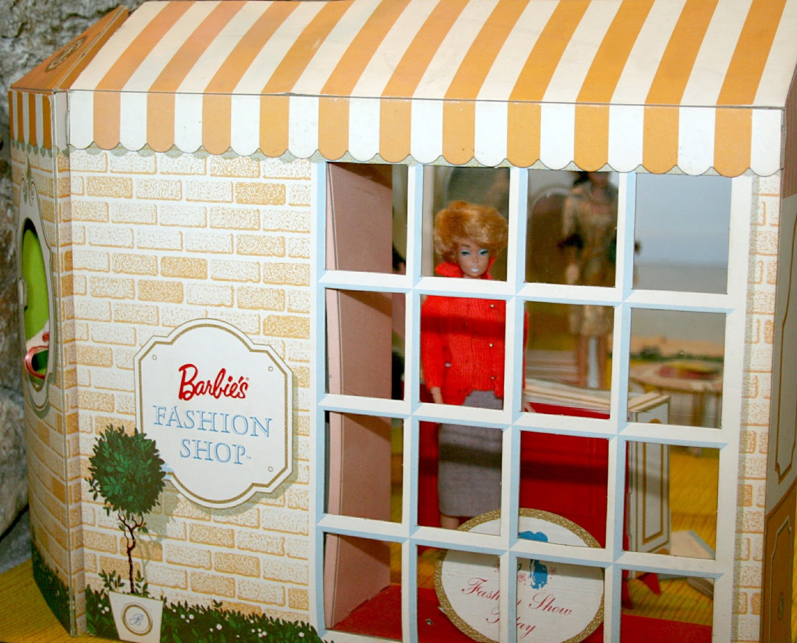 Mattel's Fashion Barbie Shop